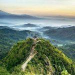 Wisata Alam Puncak Gunung Kukusan Nan Menawan